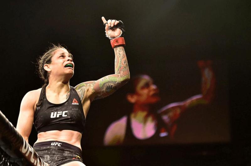 Lutadora do UFC, Livia Souza dividirá carreira com o Counter-Strike